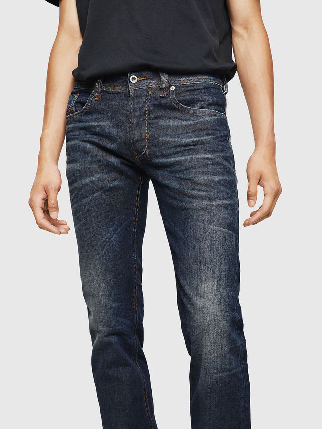 Diesel - Larkee 084ZU, Blu Scuro - Jeans - Image 3