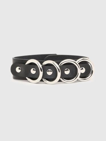 Bracciale in pelle con anelli in metallo