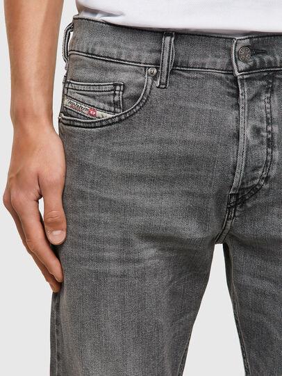 Diesel - D-Luster 09A10, Grigio Chiaro - Jeans - Image 4
