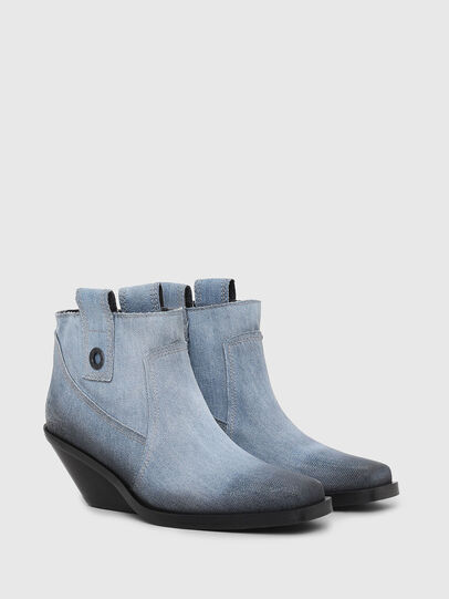 Diesel - D-GIUDECCA MAB, Blu Jeans - Stivaletti - Image 2
