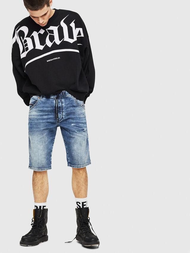 Diesel - D-KROOSHORT JOGGJEANS, Blu Jeans - Shorts - Image 4