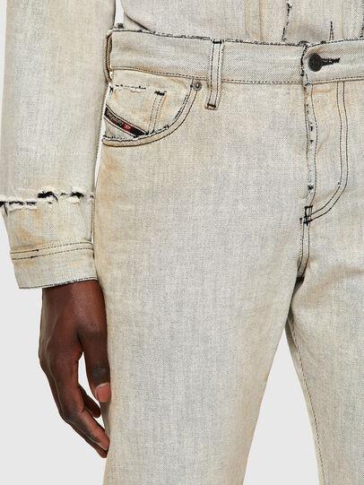 Diesel - D-Kras 09A53, Bianco - Jeans - Image 5