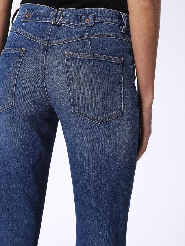 DE-VIKY, Blu Jeans