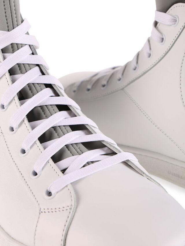 S181-0, Bianco