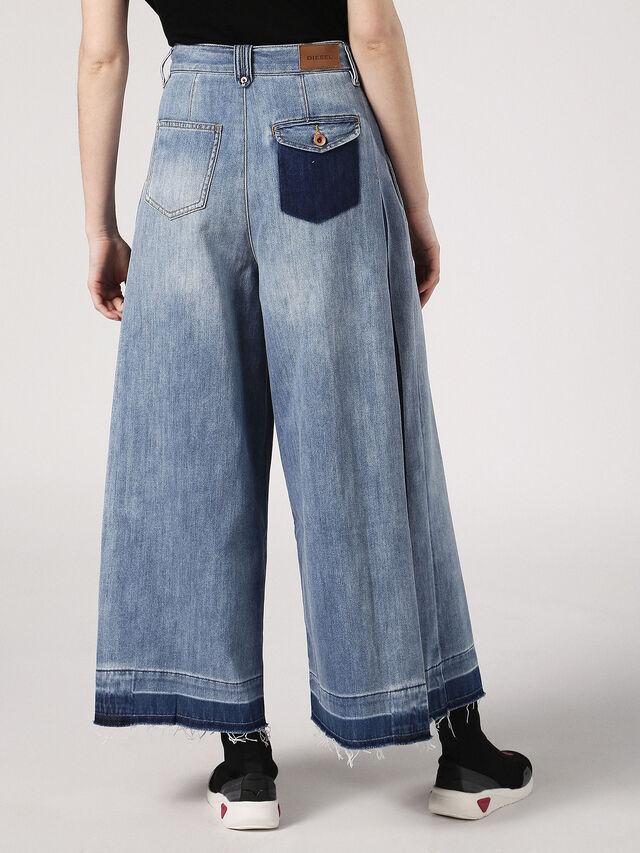DE-JIZZY-J, Blu Jeans