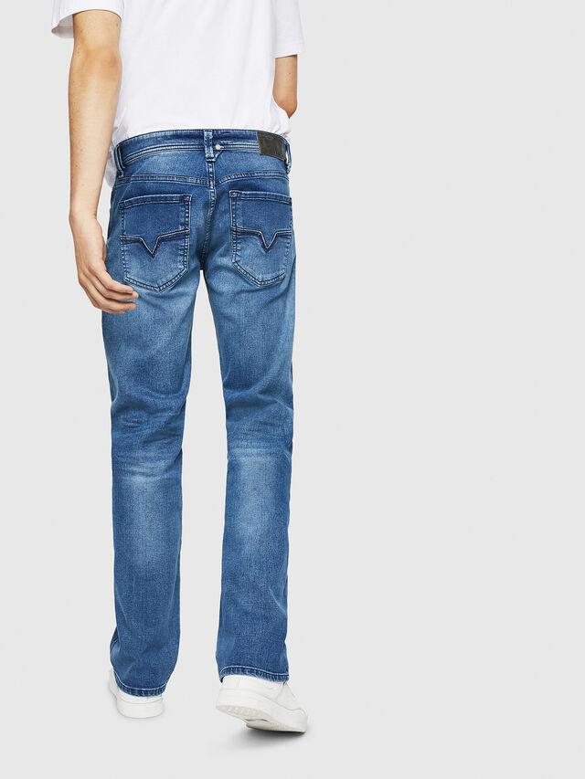 Diesel - Larkee C84NV, Blu Chiaro - Jeans - Image 2