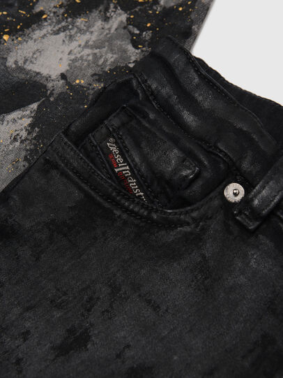 Diesel - SKINZEE-LOW-J JOGGJEANS-N, Nero/Grigio scuro - Jeans - Image 3