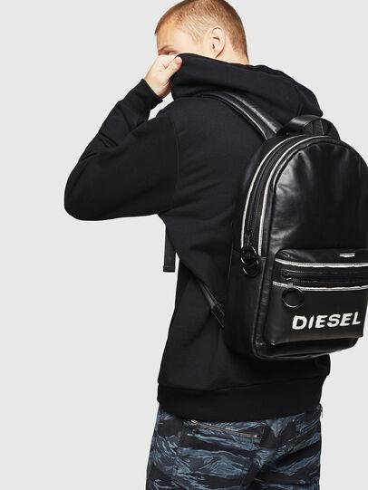 Diesel - ESTE, Nero/Bianco - Zaini - Image 6